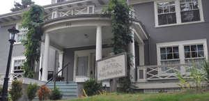 Coos Bay Manor Bed & Breakfast