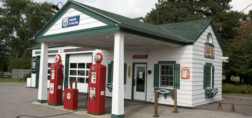 Ambler's Texaco Gas Station, Dwight | Roadtrippers