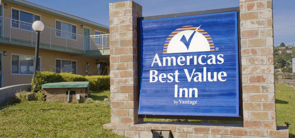 com united hotel and suites hotels america mcminnville comforter discounts comfort z of inn states