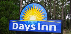 Days Inn Greensboro/Landmark Center