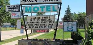 Black Hawk Motel