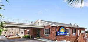 Days Inn Pensacola - Historic Downtown