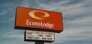 Econo Lodge Wall