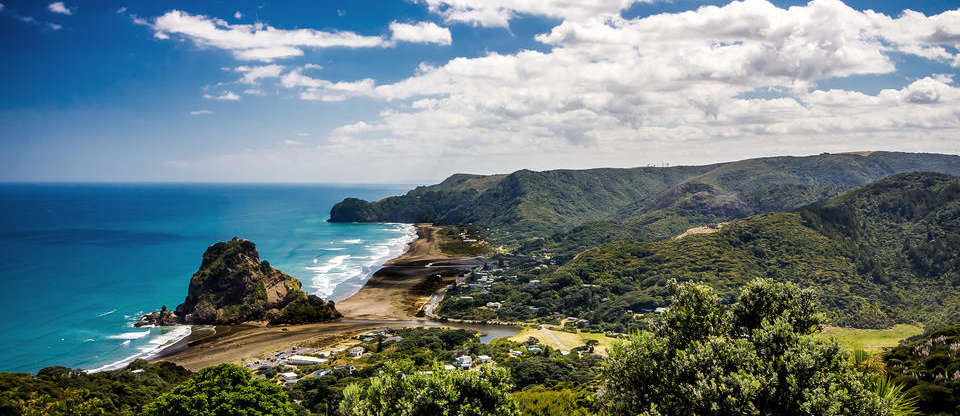 Auckland To Piha Weekend Roadie