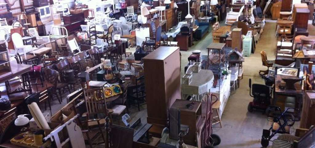Kelly S Antiques Furniture Barn Charlevoix Roadtrippers. Slumberland  Furniture S In St Paul Mn Street View